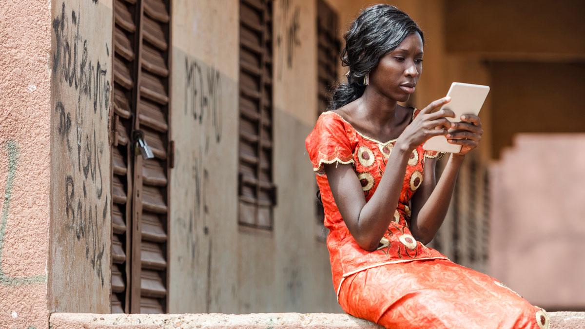 Ir al Video'África adentro', un libro dialogado para desmontar estereotipos