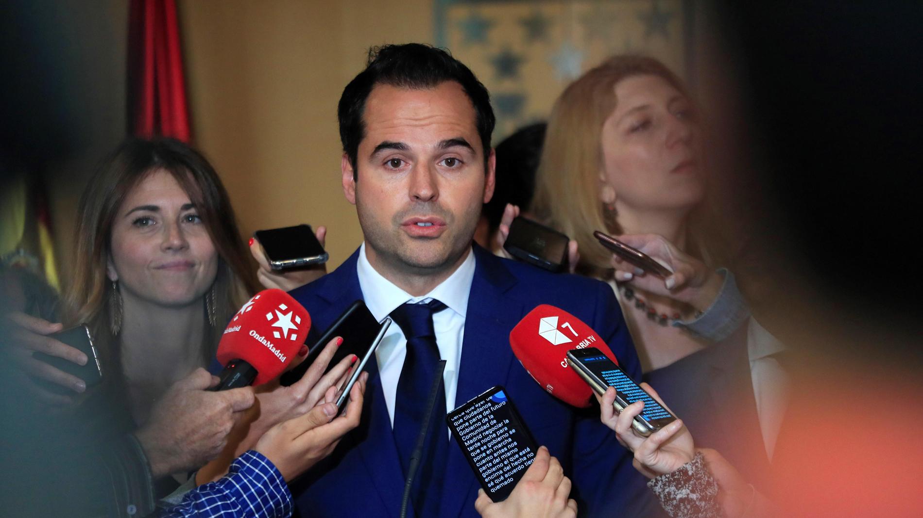 Ir al VideoAguado descarta que Vox entre en cualquier estructura del Gobierno de la Comunidad de Madrid