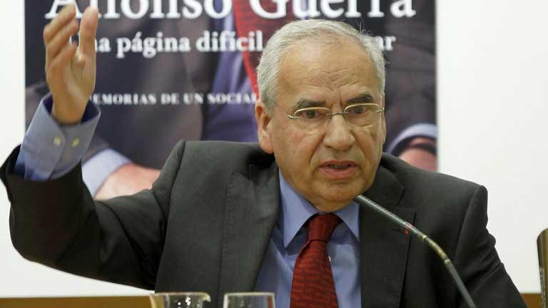 Alfonso Guerra anuncia que deja su escaño y abandona la política