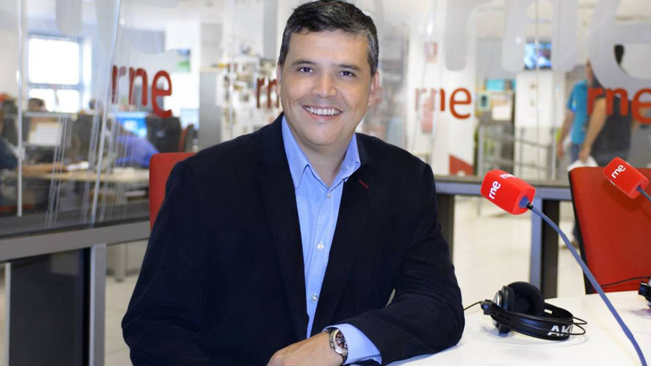 Alfredo Menéndez, director y presentador de 'Las mañanas de RNE'