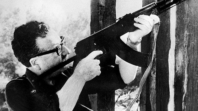 Los nuevos exámenes confirman que Allende se suicidó durante el golpe militar