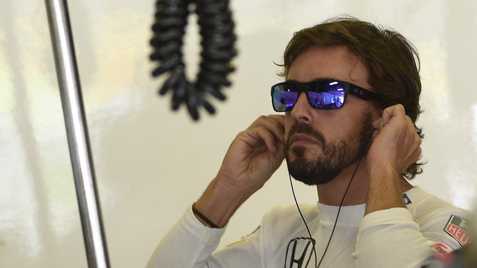 """Alonso apadrina un """"pacto de vida"""" para acabar con el alcohol al volante"""