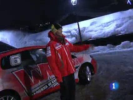 Alonso y Rossi, de rojo Ferrari y Ducati