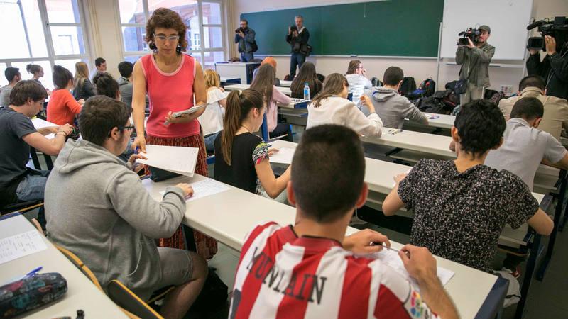 Alumnos en la Evaluación para el Acceso a la Universidad en Vitoria