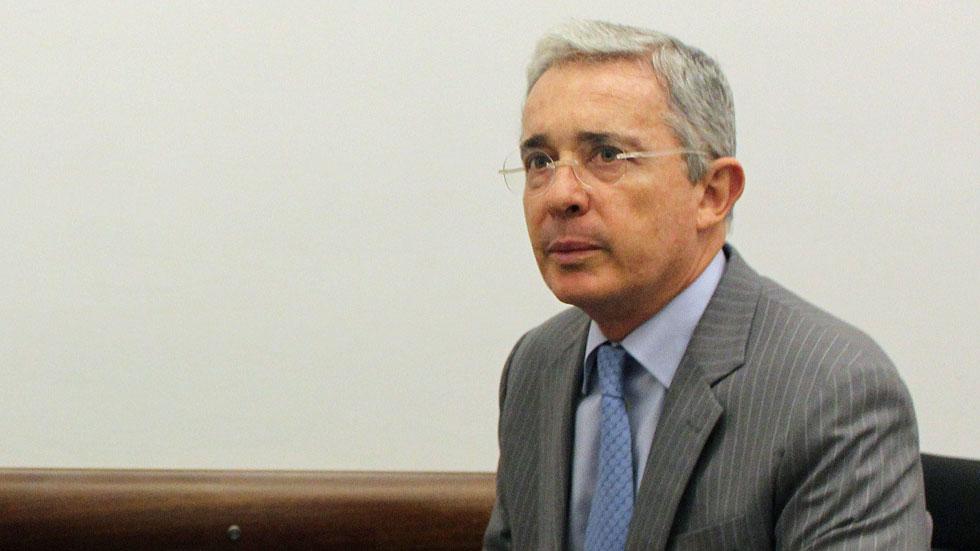 Álvaro Uribe asegura que la negociación con las FARC está dando más poder a la guerrilla