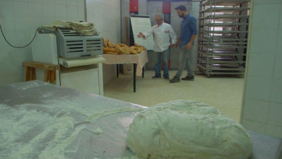 Aquí la tierra - El amor de un panadero