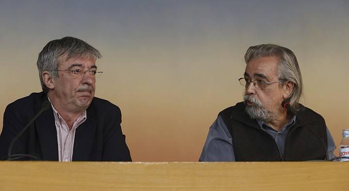 Ángel Pérez (d) y Gregorio Gordo (i), durante la rueda de prensa.