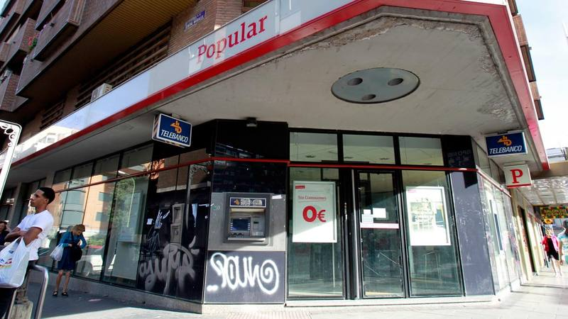 El banco santander vende al fondo blackstone el 51 del for Oficinas banco popular madrid