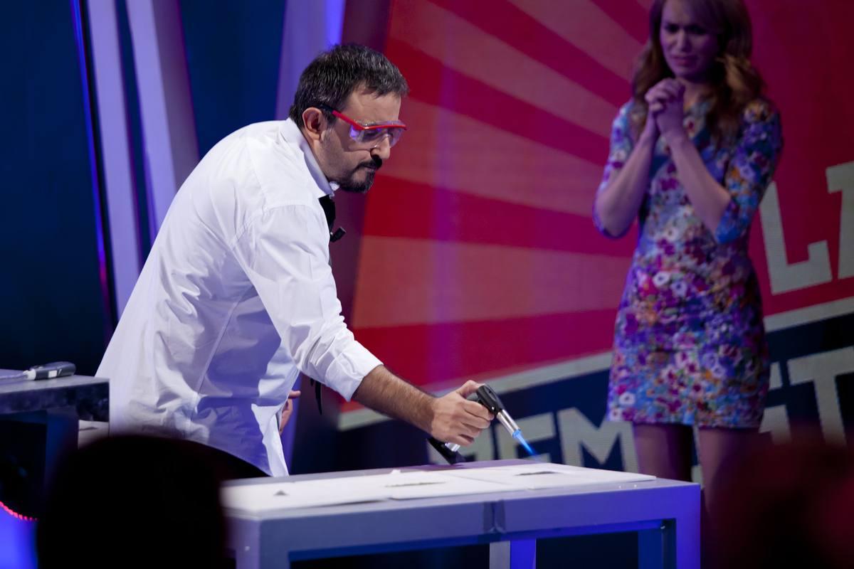 Antonio Martínez Ron seguirá llevando a cabo las demostraciones científicas
