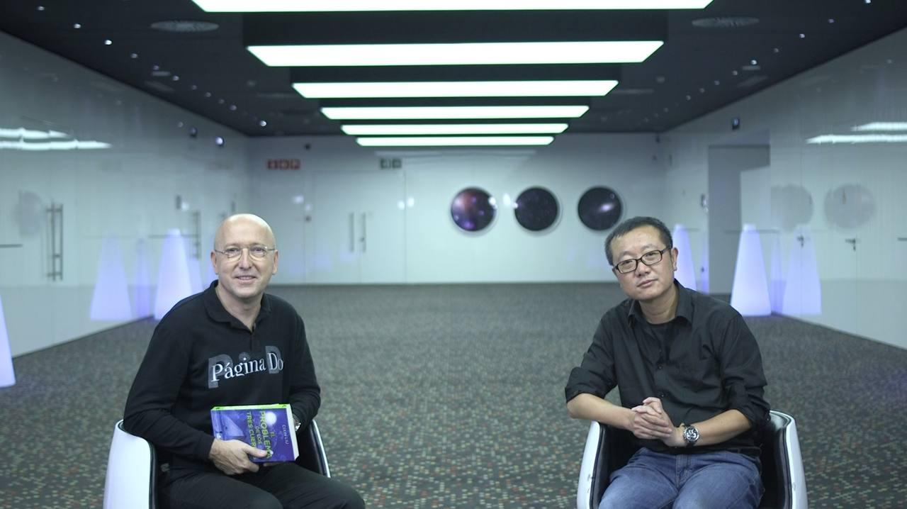 Aprovechando su estancia en nuestro país, quedamos con Cixin Liu para hablar de la primera entrega de su trilogía,