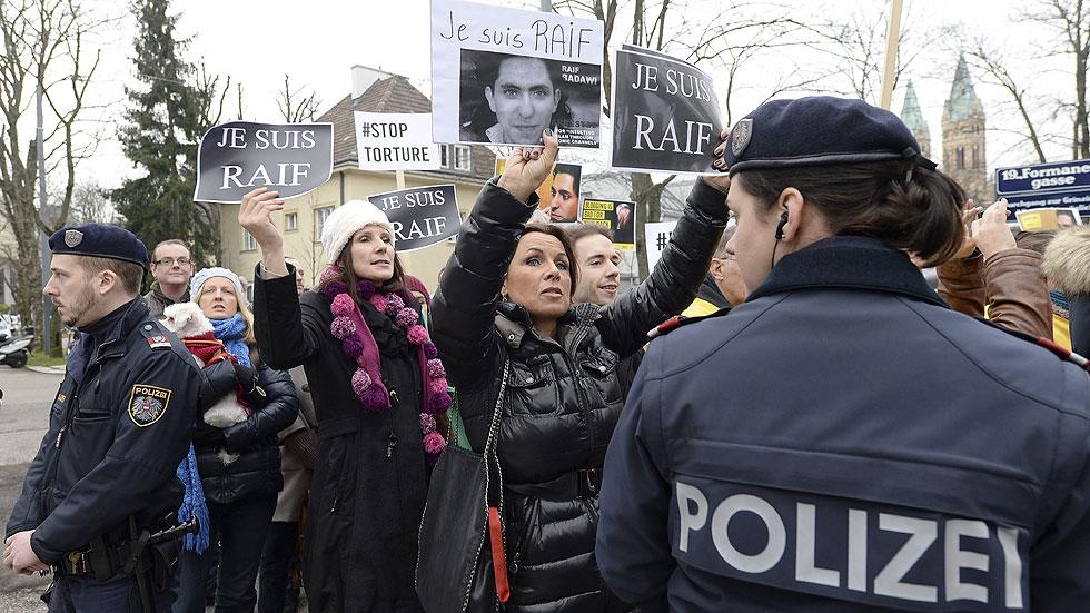 El Tribunal Supremo de Arabia Saudí revisará el caso del bloguero Badawi