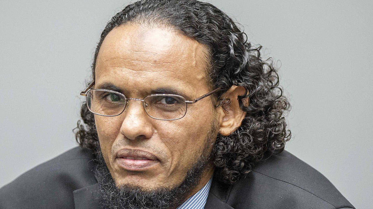 (Archivo) Ahmad Al Faqi Al Mahdi comparece ante la Corte Penal Internacional en La Haya por cartos de destrucción de patrimonio de la Humanidad en Mali