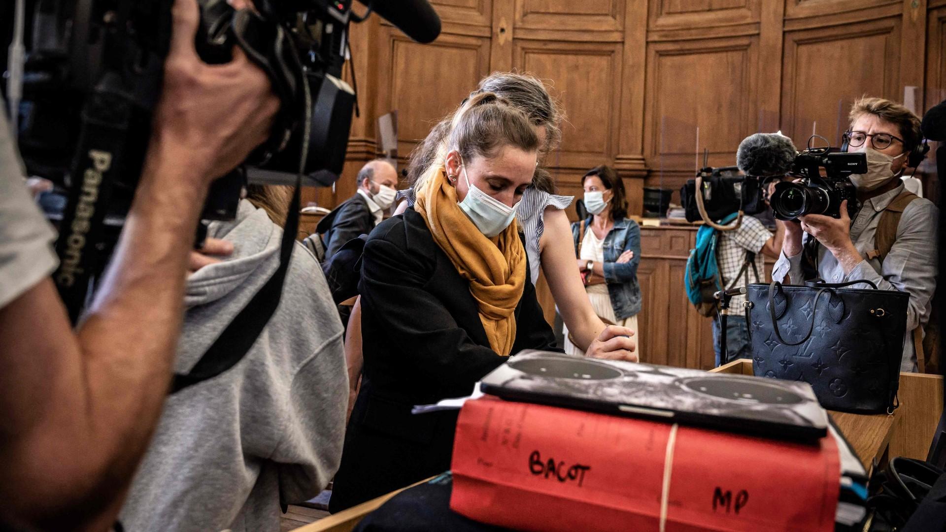 Ir al VideoArranca en Francia el juicio a una mujer que mató a su marido, proxeneta y maltratador
