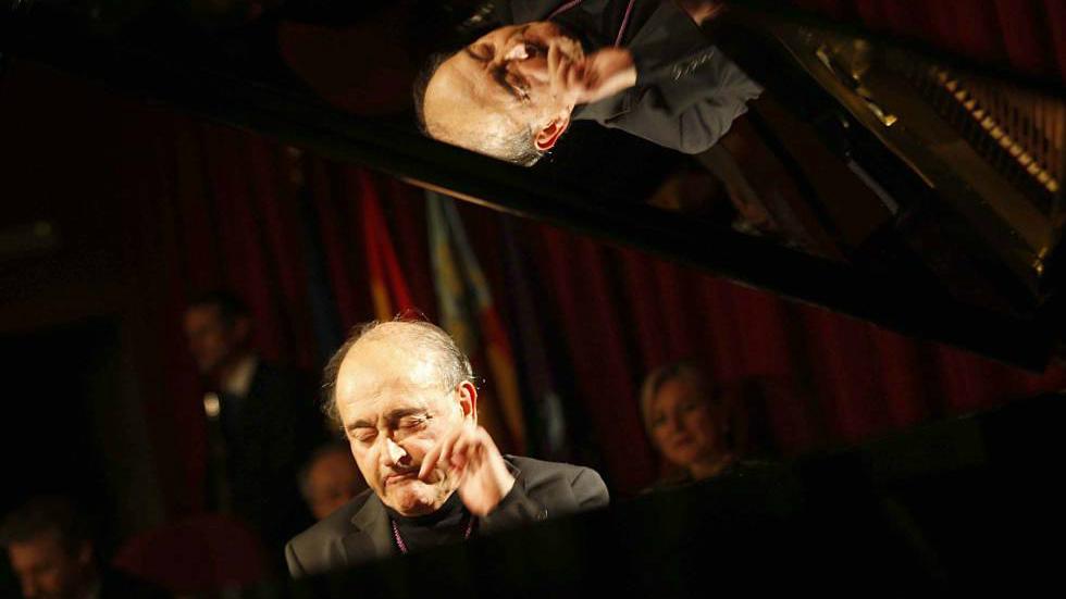 Fallece el pianista y compositor carles santos a los 77 for Carles mesa radio nacional