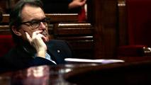 Ir al VideoArtur Mas renuncia a su acta de diputado en el Parlamento catalán