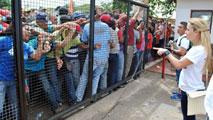 Ir al VideoAsesinado un líder regional de la oposición venezolana mientras participaba en un mitin electoral