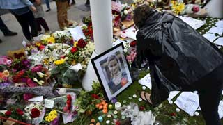 El asesinato de Jo Cox tensa la campaña del referéndum