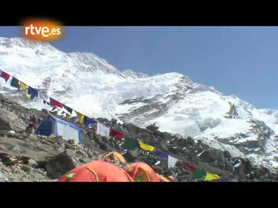 Al filo - Así es la ceremonia de La Puya en el campo base del Kangchenjunga
