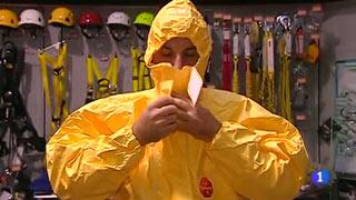Ver vídeo  'Así son los trajes antiébola de seguridad de nivel 3'