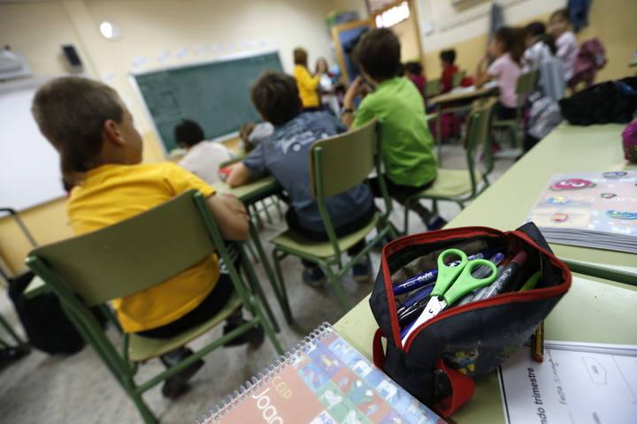 """Asociaciones científicas alertan de """"efectos indelebles"""" en la salud de los niños por la pobreza"""