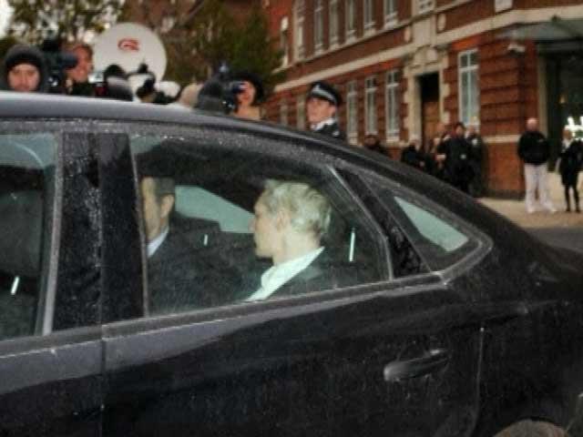 Assange, en prisión preventiva en Londres hasta el 14 de diciembre