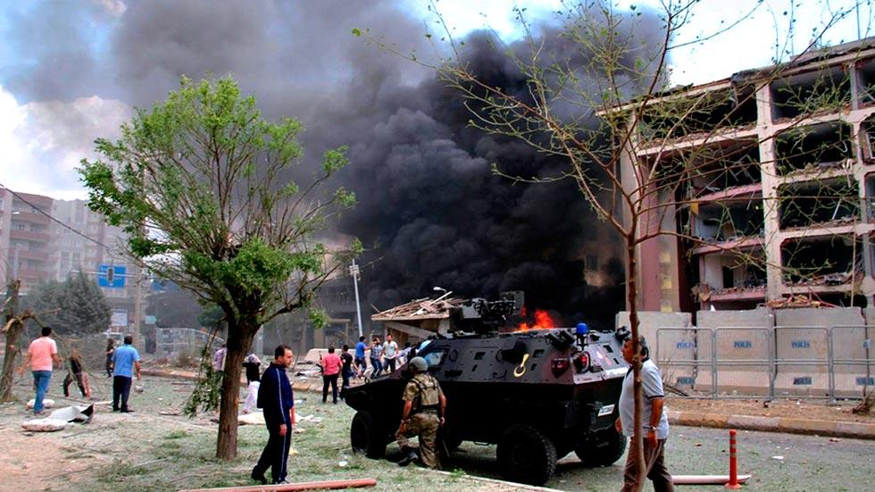 Un ataque con coche bomba mata a cinco personas en el sureste de Turquía