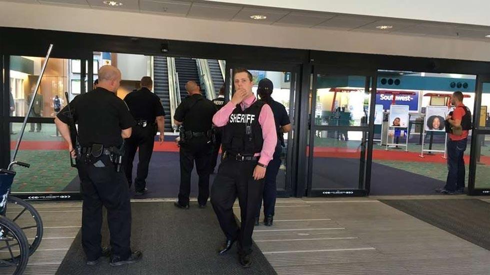 El ataque a un policía provoca la evacuación del aeropuerto de Michigan