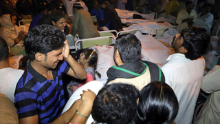 Un ataque suicida deja más de 50 muertos y un centenar de heridos en Pakistán