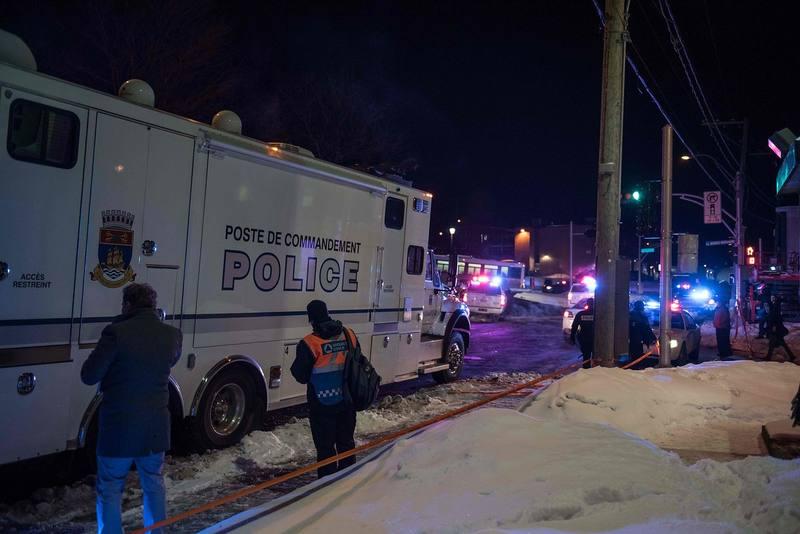Policía cerca del lugar del atentado, en Quebec