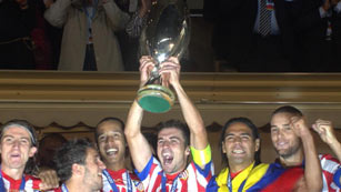 El Atlético levanta la Supercopa de Europa