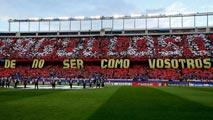 Ir al VideoEl Atlético permitirá que los abonados se lleven su asiento a casa tras el último partido en el Calderón