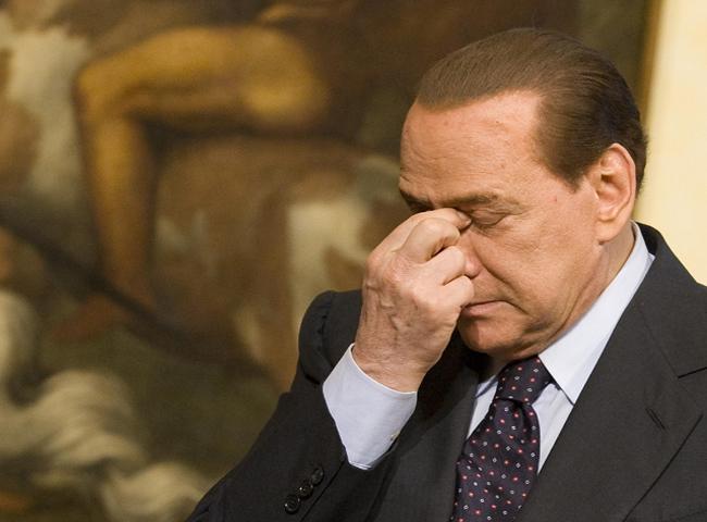 Aumenta la presión sobre el primer ministro Silvio Berlusconi