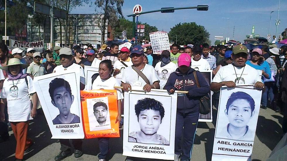 Aumentan las protestas en México por la desaparición de los 43 estudiantes