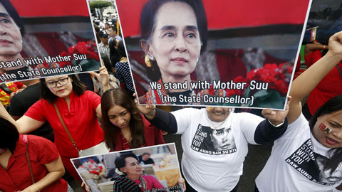 Ir al VideoAung San Suu Kyi condena las violaciones de derechos humanos pero dice no saber por qué huyen los rohinyas