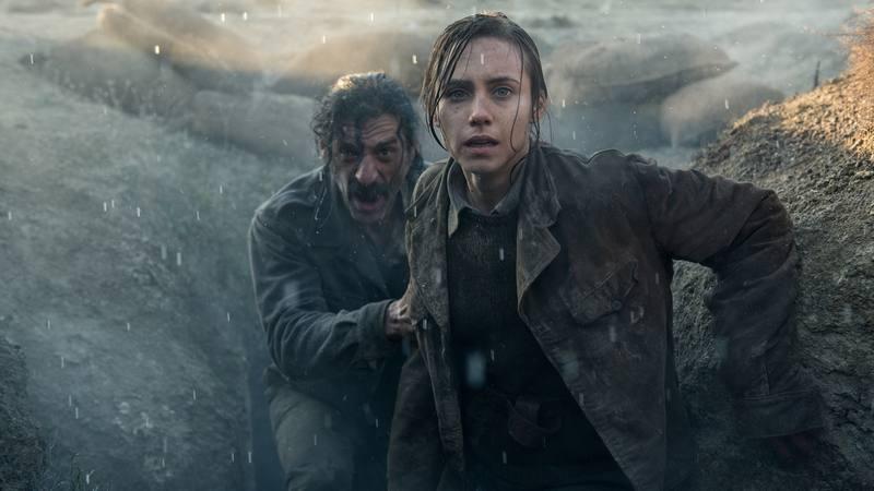 Aura Garrido (Amelia) y Nacho Fresneda (Alonso) en una de las escenas del primer capítulo
