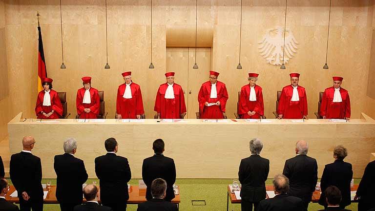 El Constitucional alemán autoriza la ratificación del fondo de rescate permanente europeo