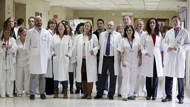 La auxiliar de enfermería que superó el ébola recibe el alta hospitalaria
