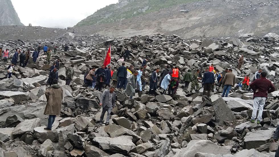 Una avalancha de rocas sepulta un pueblo del condado de Maoxian, en la provincia china de Sichuan