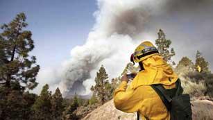 Avanza el incendio de Tenerife