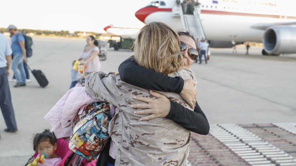 El avión con los españoles afectados por el huracán Irma llega a Madrid