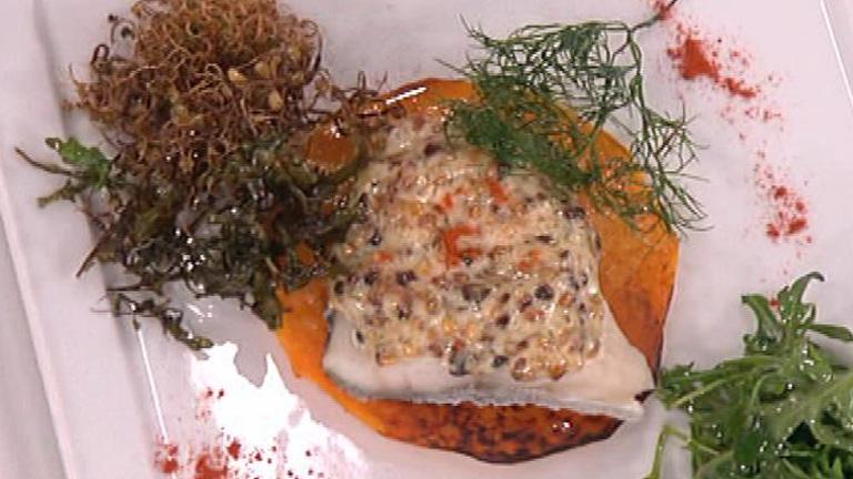 Saber Cocinar - Bacalao gratinado con salsa de almendra y ensalada de brotes