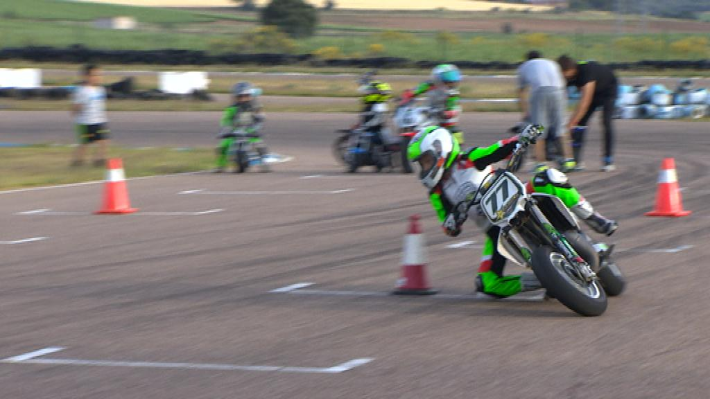 BADAJOZ RACING SCHOOL