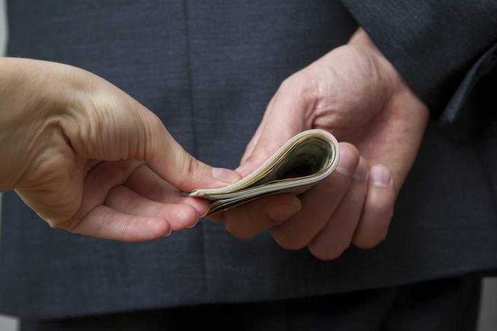 Baja siete puntos la preocupación ciudadana por la corrupción, según el CIS