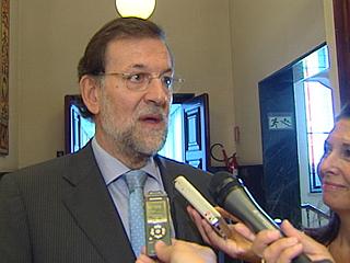 Zapatero y Rajoy han hecho balance del debate en los pasillos