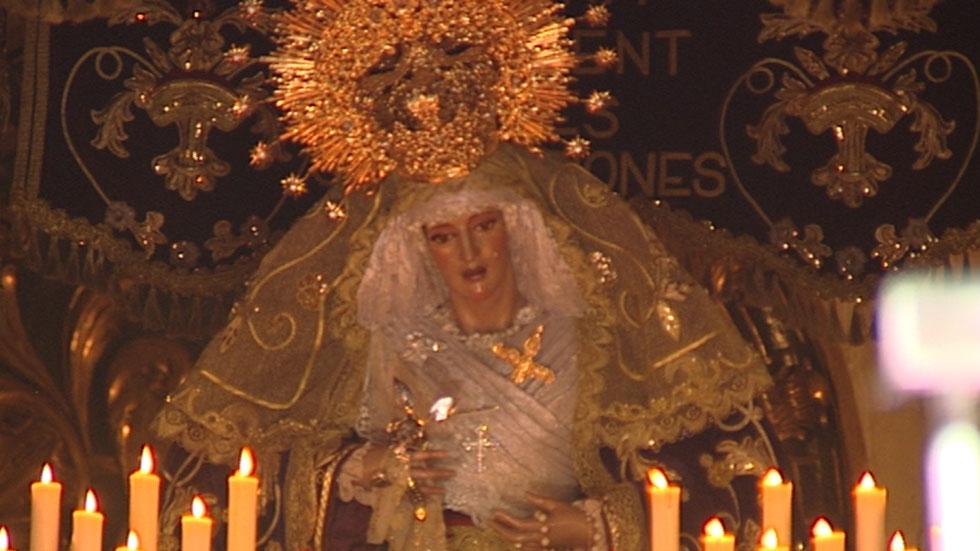 Los balcones próximos a pasos de Semana Santa en Sevilla se alquilan hasta por 40 euros al día por persona