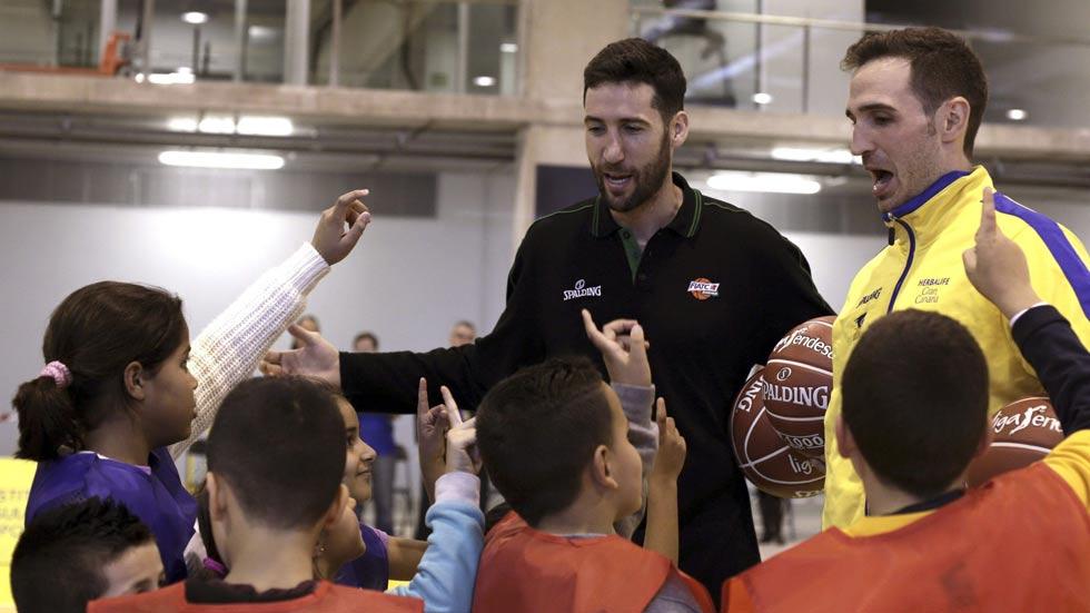 El baloncesto, como terapia para niños en riesgo de exclusión