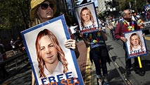 Ir al VideoBarack Obama indulta a Chelsea Manning, la exsoldado que filtró documentos a WikiLeaks