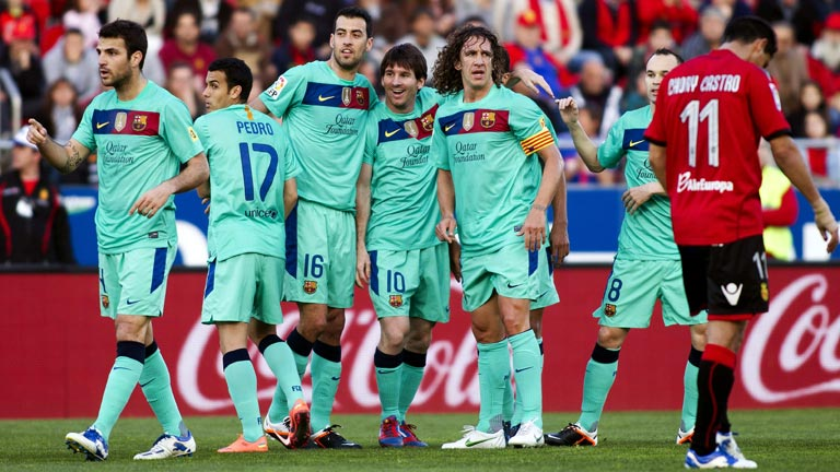 El Barça gana en Mallorca y sigue al acecho