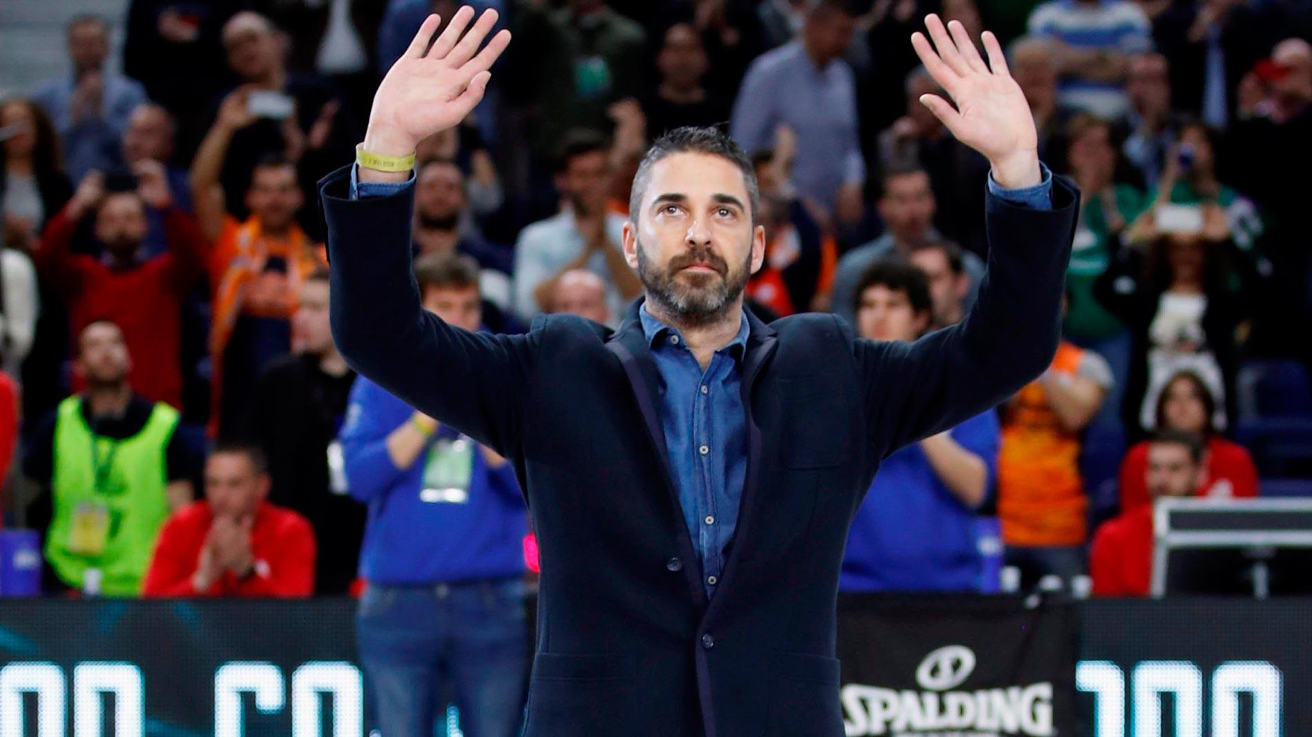 Ir al VideoEl Barça retirará el '11' de Navarro antes del Clásico