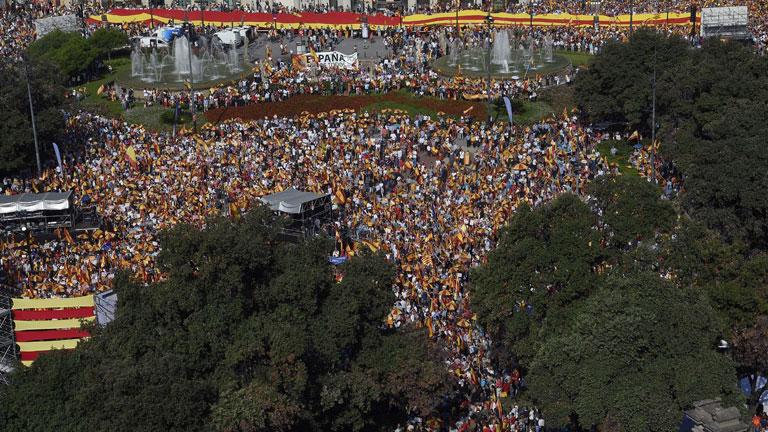 Barcelona celebra la Fiesta Nacional con una concentración por tercer año consecutivo